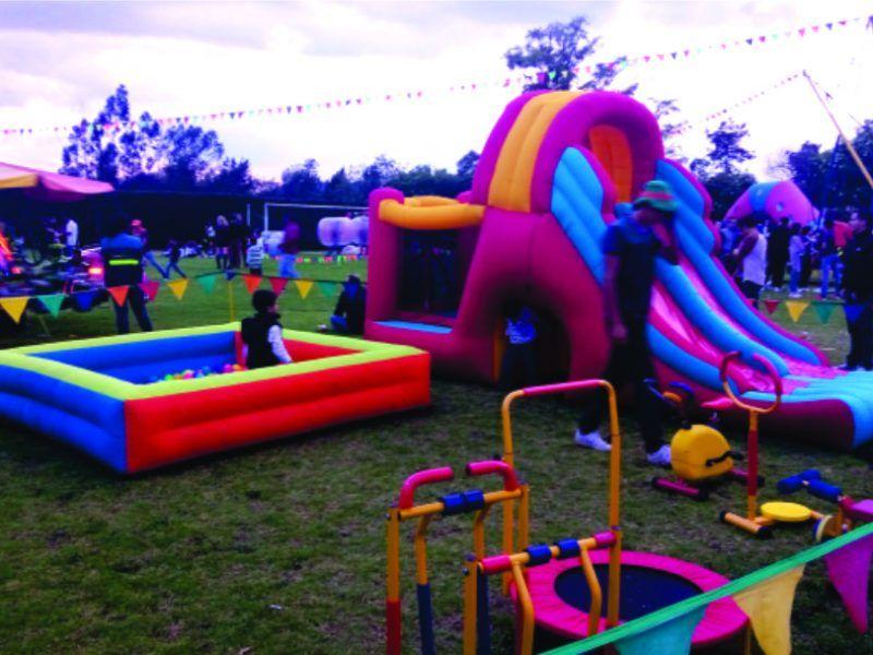 Apoyo logístico y del área de recreación del eventos recreativo tipo bazar de Colegio Buckingham