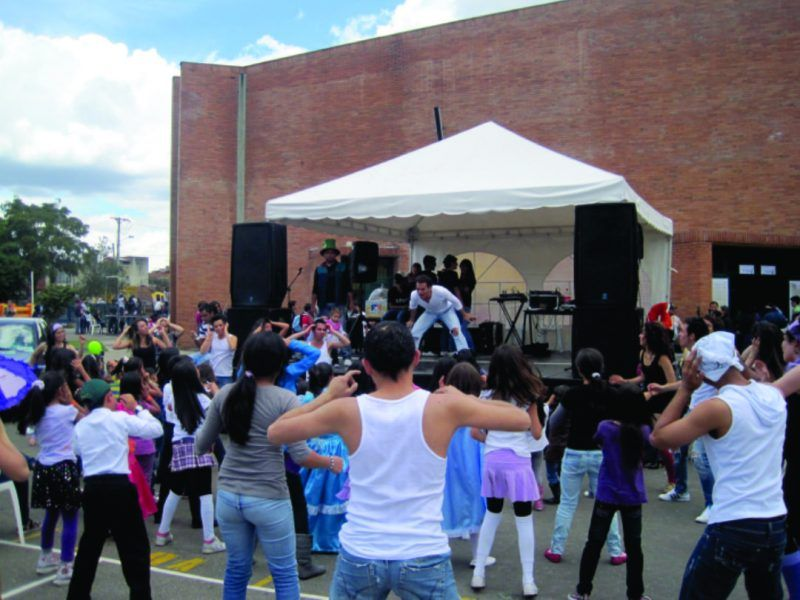 Diseño y producción evento recreativo tipo bazar de Colegio Calasanz