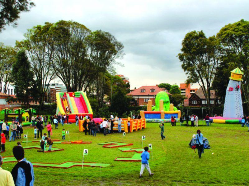 Apoyo en el área de recreación evento recreativo tipo bazar de Colegio Gimnasio Moderno