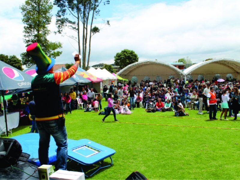 Diseño y producción evento recreativo tipo bazar de Colegio Instituto Merani