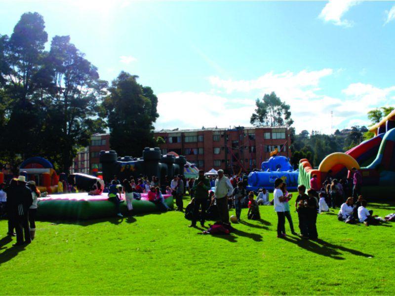 Apoyo logístico y en el área de recreación evento recreativo tipo bazar de Colegio San Luis de la Policia