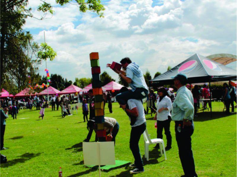 Apoyo en el área de recreación evento recreativo tipo bazar de Colegio Victoria School