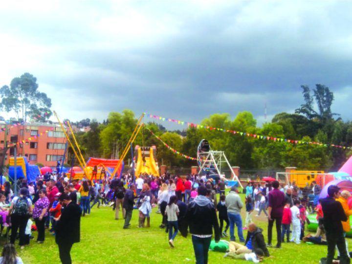 Apoyo Evento Recreativo Bazar Colegio San Luis de la Policía